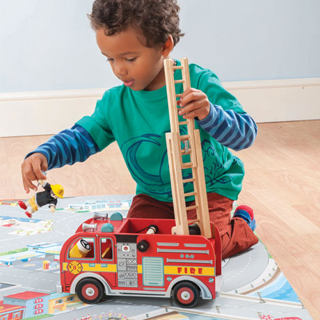 le-toy-van-fire-engine